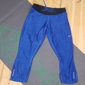 Nike blue pebble patterned dri-fit capris, szXL